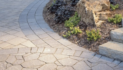 Fieldstone paver projects from Glacier Stone, Kenosha, Wisconsin